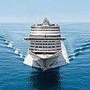 ein Foto von Vorne eines Schiffes im Meer